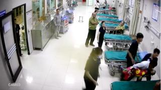 Bé 4 tuổi ngã xuống bể phốt tử vong ở Tuyên Quang