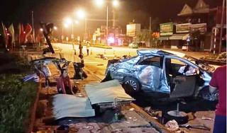 Xe khách tông xe con ở Nghệ An, 3 người tử vong tại chỗ