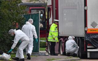 Vụ 39 thi thể trong container: Các nạn nhân bất lực khi tìm cách thoát ra?