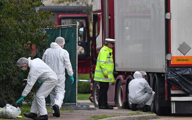 Cảnh tượng kinh hoàng trong vụ 39 thi thể trong container
