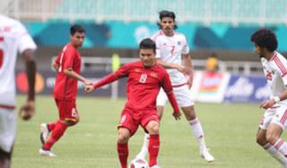 HLV UAE gặp áp lực lớn trước trận làm khách Việt Nam