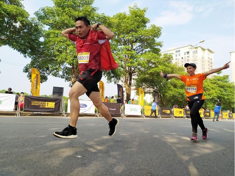 PGĐ Tân Hiệp Phát cùng gần 6000 người tham gia giải chạy Longbien Marathon 2019