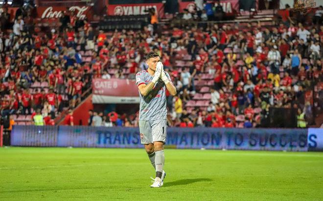 Đặng Văn Lâm lập kỷ lục ấn tượng trong màu áo CLB Muangthong