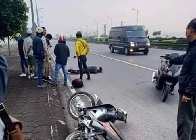 Hai thanh niên 10x Nam Định đi xe máy tốc độ cực cao mất lái văng ra đường