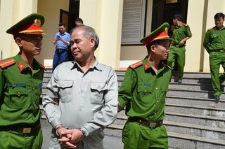 Phạt tù cựu hiệu trưởng dâm ô 7 nam sinh ở Phú Thọ