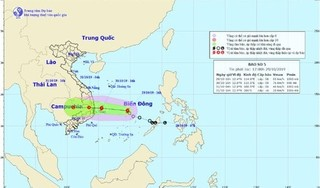 Áp thấp nhiệt đới đã mạnh lên thành bão giật cấp 10 áp sát các tỉnh Bình Định - Phú Yên