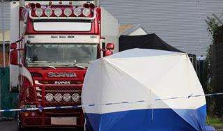 Vì sao quá trình nhận dạng nạn nhân trong vụ 39 thi thể trong container lại kéo dài?