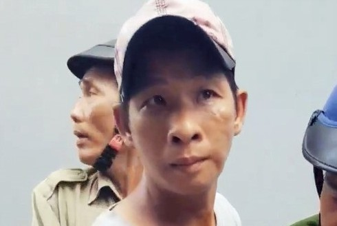 Lời khai của gã cha dượng châm thuốc lá vào người bé gái 6 tuổi