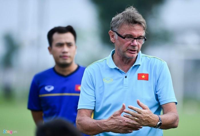 HLV Troussier tự tin cùng U19 Việt Nam hướng tới vòng loại U19 châu Á