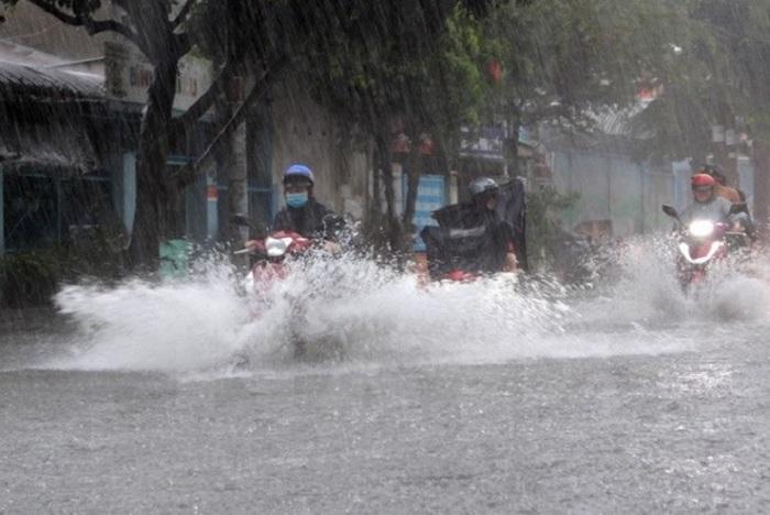 Bão số 5 suy yếu khi vào đất liền, nhiều tỉnh mưa to