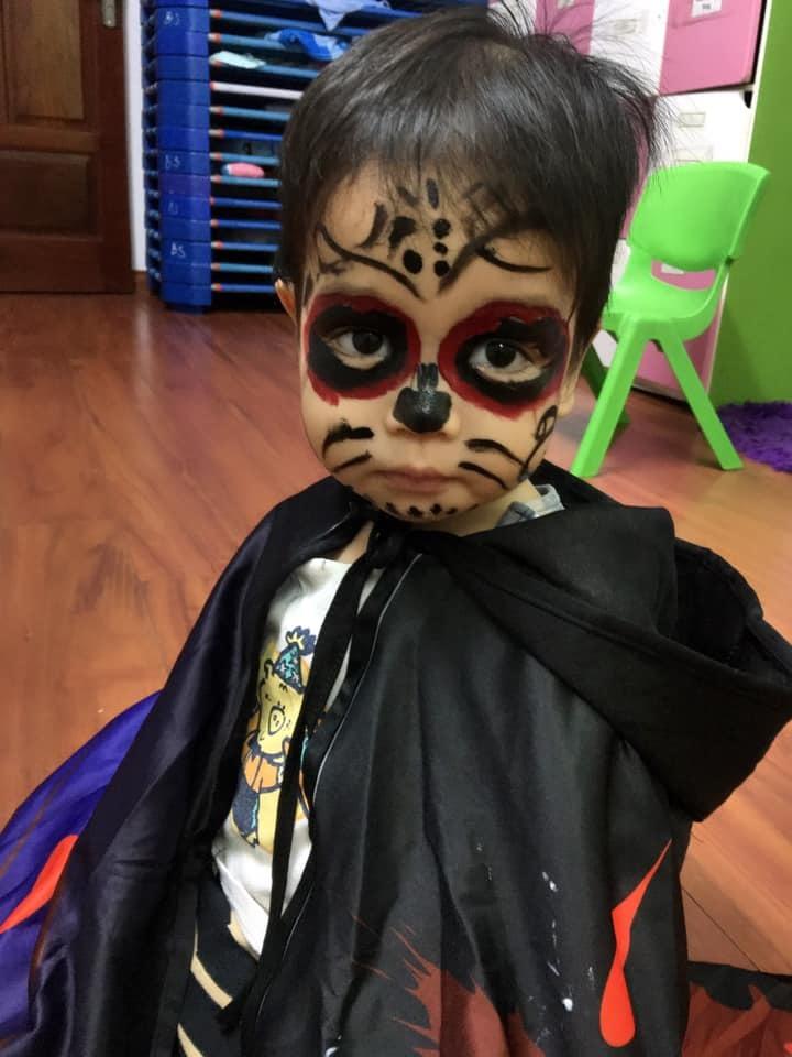 Loạt hình ảnh hóa trang siêu đáng yêu của các bé dịp Halloween 2