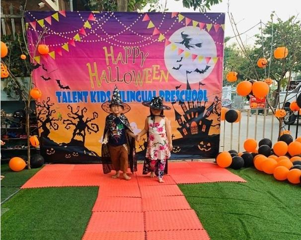 Loạt hình ảnh hóa trang siêu đáng yêu của các bé dịp Halloween 9