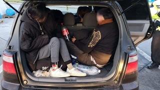 Đức bắt 17 người Việt trốn trên xe ô tô nhập cư trái phép