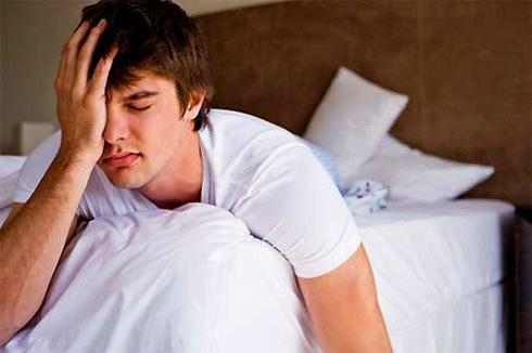 Đàn ông cũng khổ sở vì 'đến tháng', phụ nữ hiểu chuyện cần biết để điều trị tâm lý cho chàng - Ảnh 1.