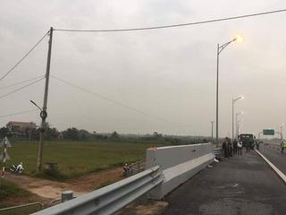 Bị tông thiệt mạng khi đi bộ trên cao tốc Hải Phòng-Hạ Long lúc rạng sáng