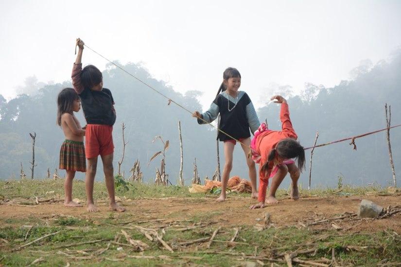 Nụ cười hồn nhiên của trẻ trên cao nguyên Mộc Châu