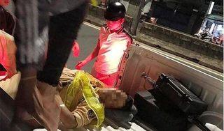 Đang kiểm tra ô tô vi phạm, Thiếu tá CSGT bị xe máy tông trọng thương