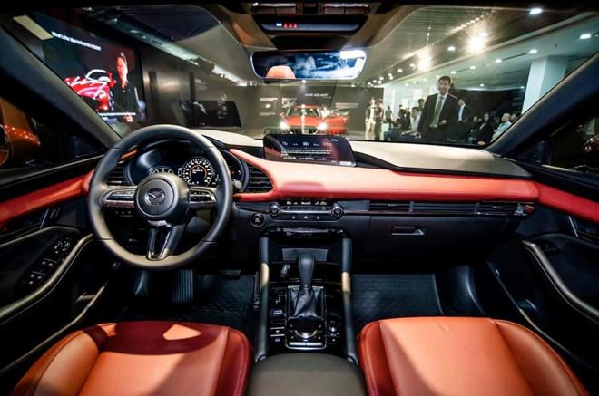 Mazda3 2020 gây sốc khi chốt giá bán ngang xe hạng D