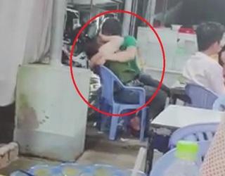 Cặp đôi thản nhiên ôm hôn giữa quán ăn khiến nhiều người 'nóng mắt'