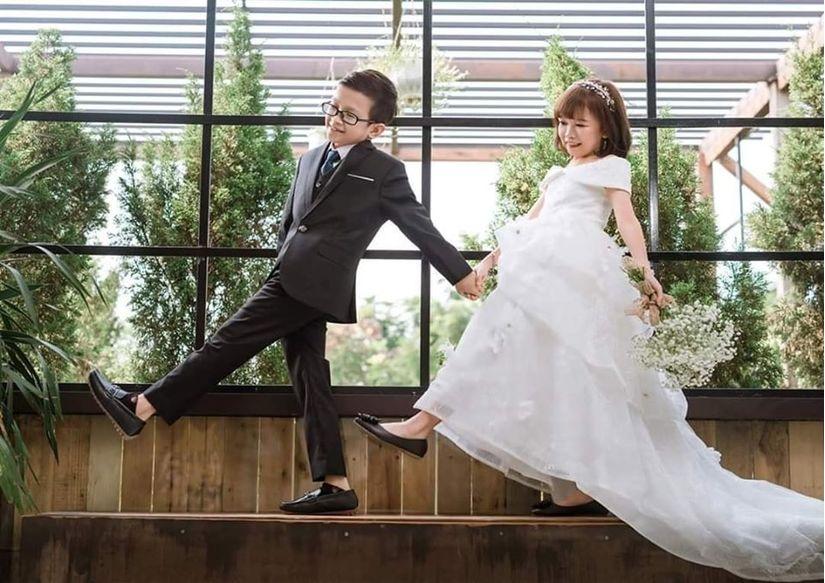 Đám cưới của cặp đôi tí hon như học sinh lớp 1 gây xúc động9