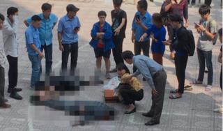 Nam sinh rơi từ tầng 13 xuống đất trúng sinh viên đi bộ khiến 2 người thương vong