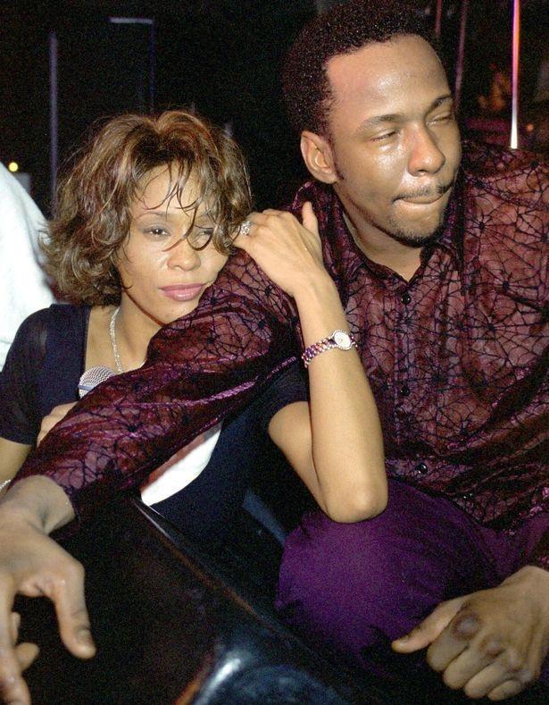 Những tiết lộ sốc về diva quá cố Whitney Houston: Là người đồng tính
