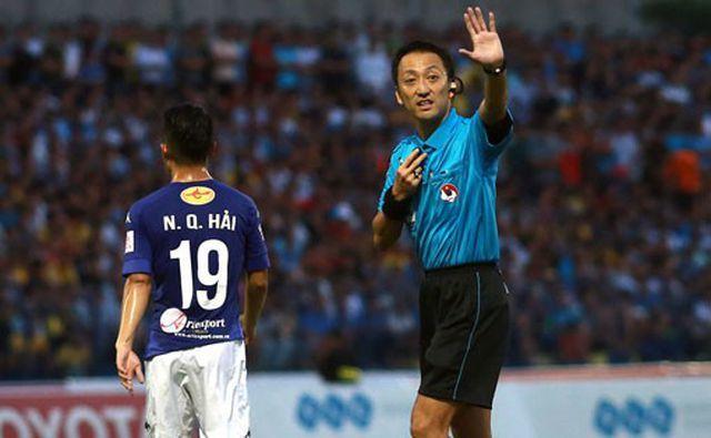 Trọng tài bắt chính trận Việt Nam- UAE