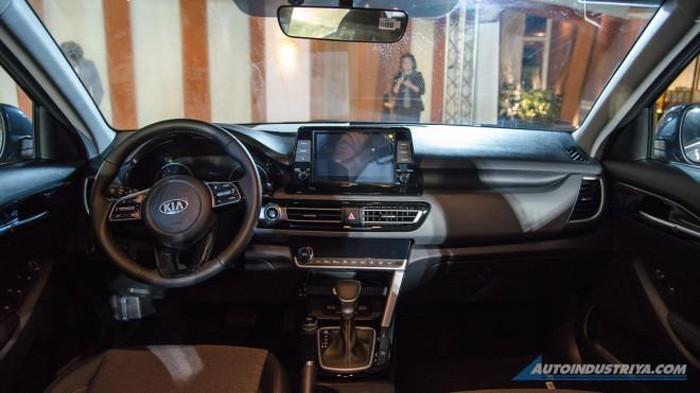KIA Seltos mở bán giá 504 triệu đồng, có gì hay để đấu Honda HR-V3