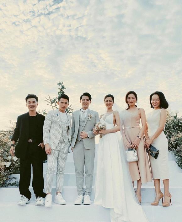 Hình ảnh ngọt ngào trong đám cưới Đông Nhi - Ông Cao Thắng