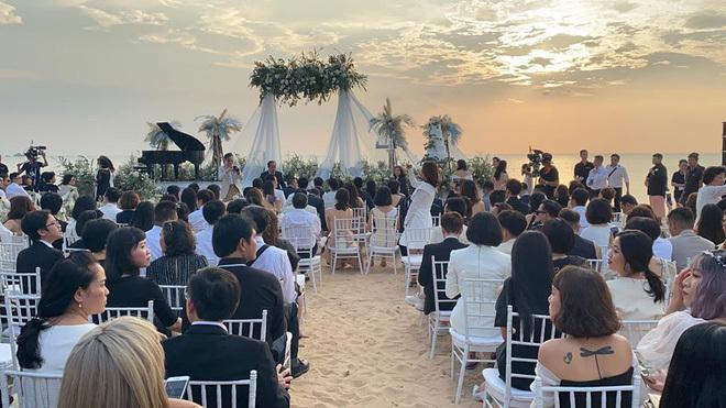 Đông Nhi, Ông Cao Thắng bật khóc trong ngày cưới