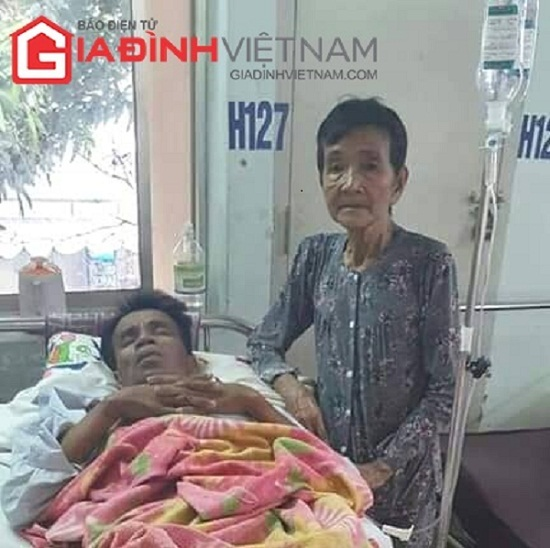 Mẹ già 80 tuổi bán xôi dạo mưu sinh, nuôi con bị tai nạn giao thông