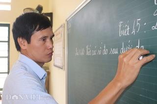 Cảm phục người thầy hơn 20 năm gieo chữ nơi rẻo cao
