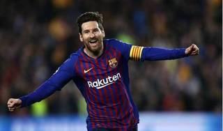 Messi san bằng kỷ lục ghi ghi bàn của Ronaldo