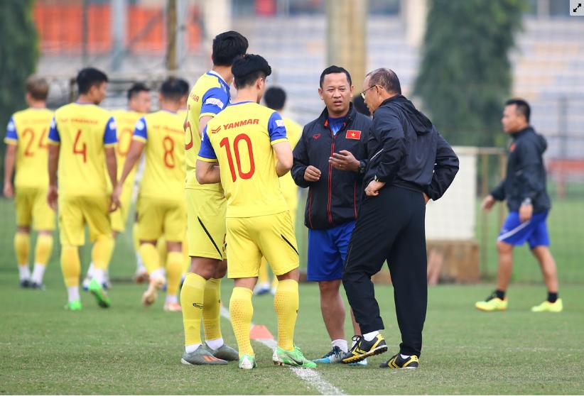 Thầy Park ra 'tối hậu thư' để học trò tập trung toàn lực đấu UAE, Thái Lan