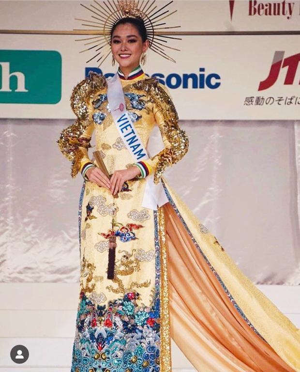 Tường San lọt Top 8 và dành giải Quốc phục đẹp nhất Hoa hậu Quốc tế 2019