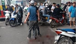 Hà Nội: Cô gái bị người đàn ông đuổi chém trọng thương trên đường