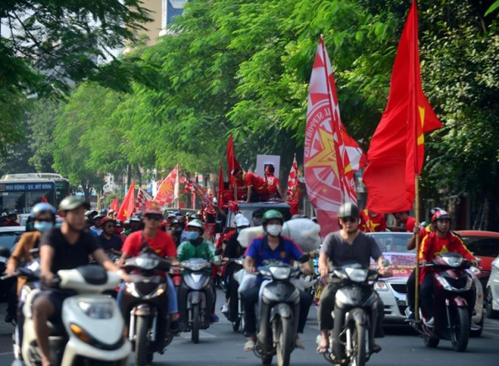 ĐT Việt Nam - Thái Lan, UAE: Công an Hà Nội hướng dẫn phương tiện di chuyển ngày thi đấu