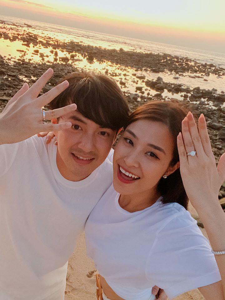Đông Nhi nói với Ông Cao Thắng: Thế là mình đã cưới nhau rồi đấy!