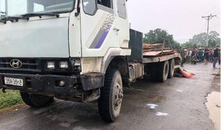 Bất ngờ tự ngã xuống đường, người đàn ông bị xe tải cán trúng tử vong