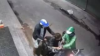 Tài xế mặc đồng phục Grab dùng dao cướp xe máy táo tợn ở TP.HCM