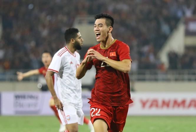 CĐV Thái Lan ca ngợi Việt Nam sau chiến thắng ấn tượng trước UAE