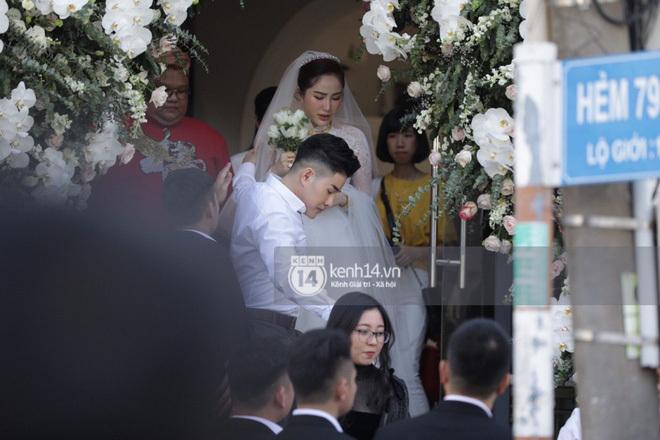 Đám cưới Bảo Thy: Chú rể đón dâu bằng dàn siêu xe