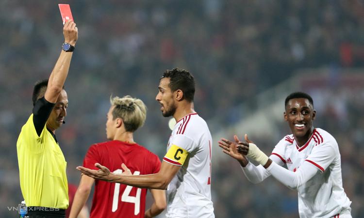 Báo chí UAE nể phục đẳng cấp các cầu thủ tuyển Việt Nam