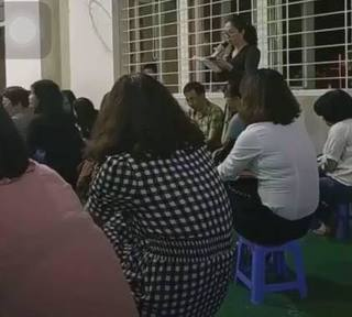 Cô giáo kì thị mẹ đơn thân và người nghèo phải làm tường trình