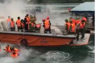 Diễn biến mới vụ đoàn cưỡng chế phải nhảy xuống biển vì bị ném bom xăng