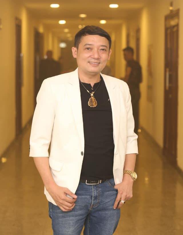 Nghệ sĩ hài Chiến Thắng không nhận show để ở nhà cổ vũ trận Việt Nam - Thái Lan