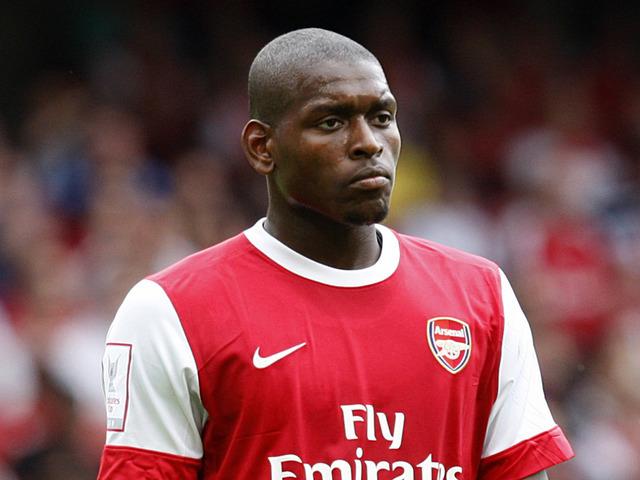 Đội bóng của Hữu Thắng chiêu mộ cựu cầu thủ của Arsenal
