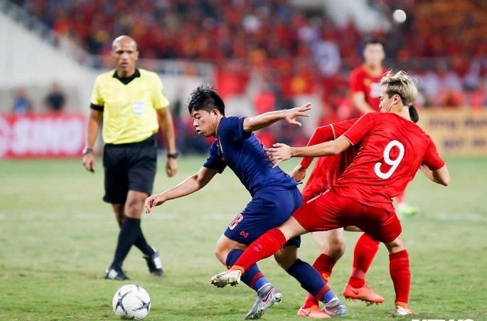 HLV Nishino nhận nhiều lời chê từ cựu HLV U23 Thái Lan sau trận hòa Việt Nam
