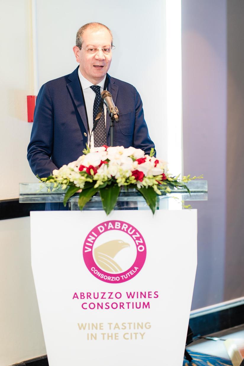 Những loại rượu vang đặc biệt của vùng Abruzzo (Ý) đến Việt Nam