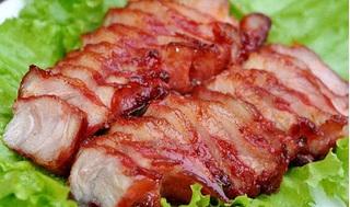 Chẳng cần ăn nhà hàng, rán thịt ba chỉ theo cách này cũng vàng rộm, thơm ngon